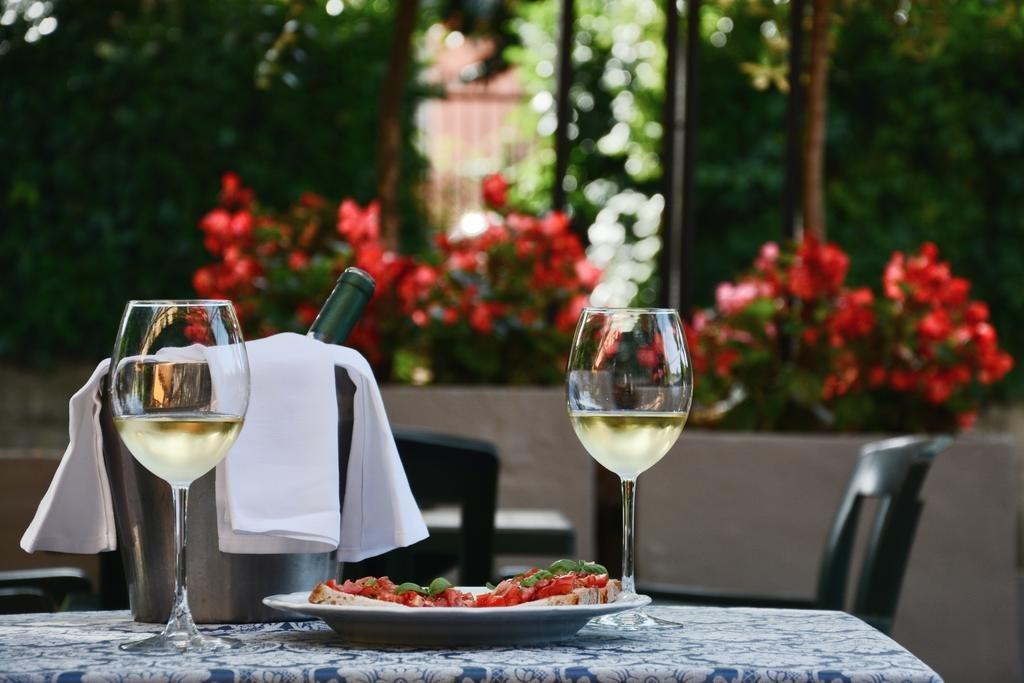 Hotel Capri - Ristorante all'aperto