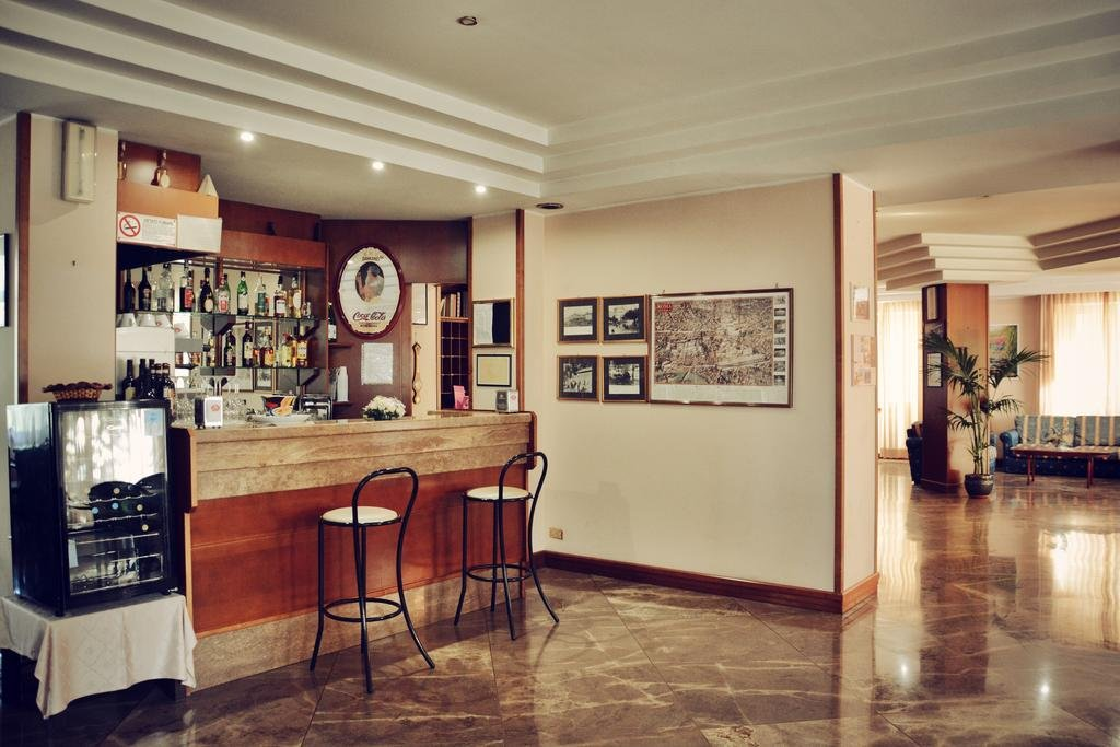 Hotel Capri - Bar
