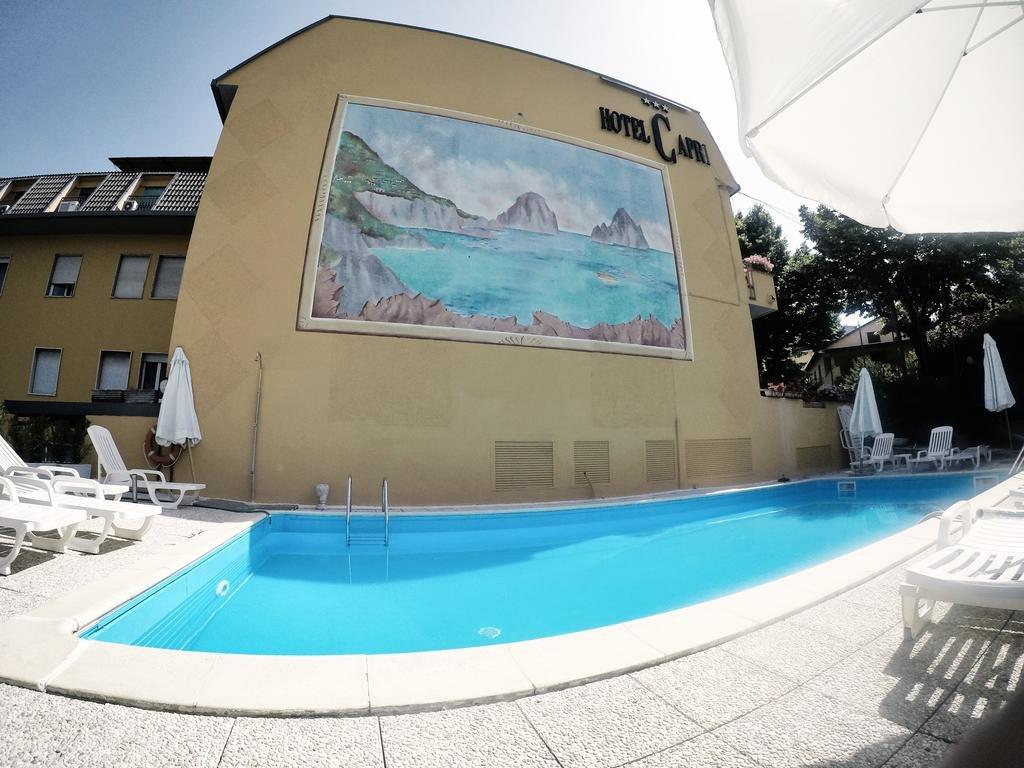 Hotel Capri - Piscina all'aperto